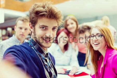 Grup genç ortaklar beyin fırtınası fikir Stok fotoğraf © zurijeta