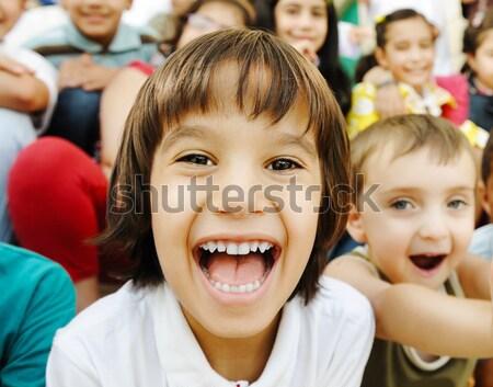 Mutluluk mutlu çocuklar birlikte açık Stok fotoğraf © zurijeta