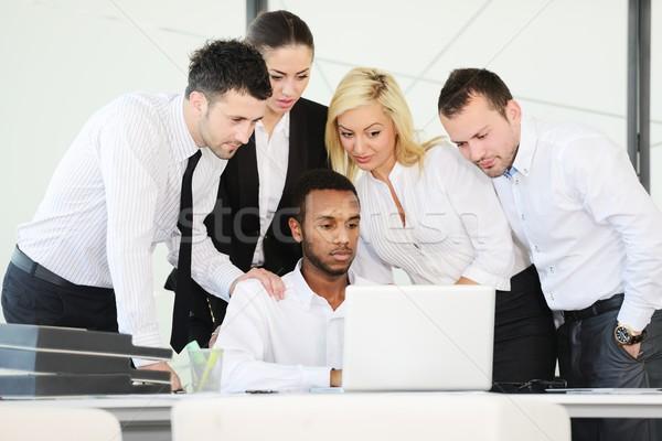 Exitoso gente de negocios debate oficina ordenador nina Foto stock © zurijeta