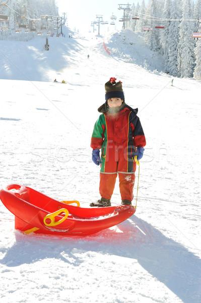 Kid sneeuw slee bevroren adem uit Stockfoto © zurijeta