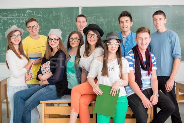 Gelukkig klasgenoten groep klas meisje achtergrond Stockfoto © zurijeta