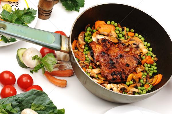 Mięsa warzyw zielenina przygotowany serwowane posiłek Zdjęcia stock © zurijeta
