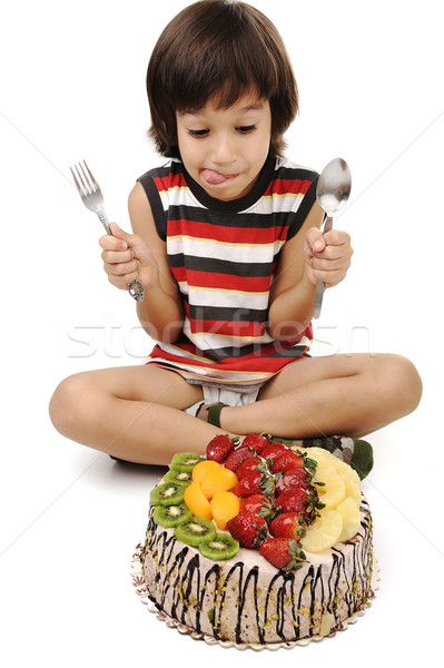 Nino comer pastel de frutas fiesta feliz frutas Foto stock © zurijeta