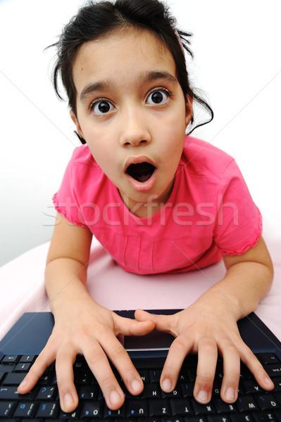 Kindheit Laptop Lernen spielen Gesicht Schule Stock foto © zurijeta