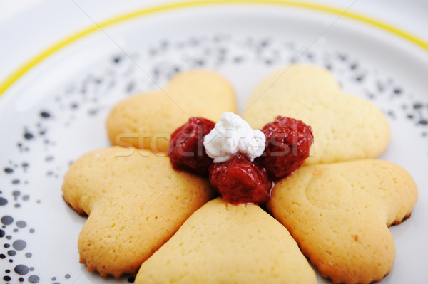 сладкие блюда счастливым сердце клубника новых праздновать Сток-фото © zurijeta