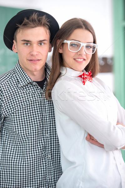 Gülen sınıf arkadaşları poz birlikte kız gülümseme Stok fotoğraf © zurijeta