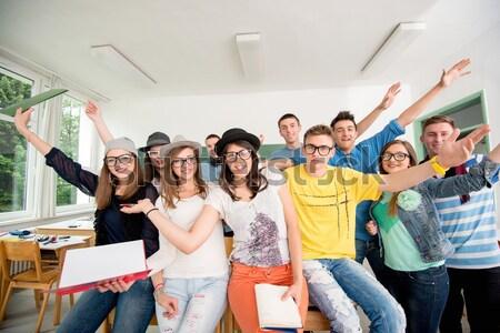 Одноклассники позируют классе зеленый совета Сток-фото © zurijeta