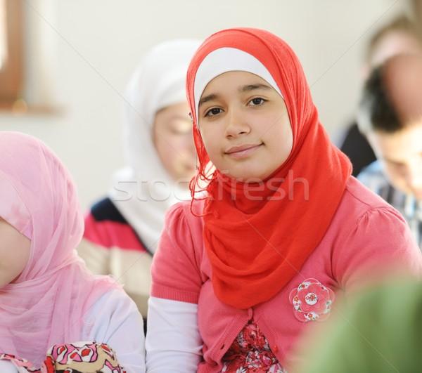 Muslim arabic ragazze apprendimento insieme gruppo Foto d'archivio © zurijeta