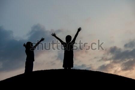 Silhueta feliz crianças mãe pai família Foto stock © zurijeta