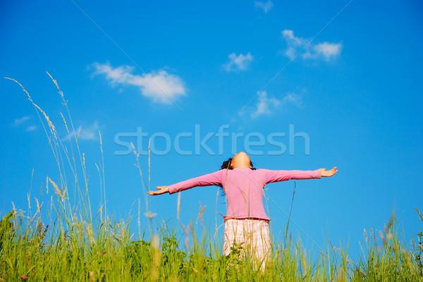 Foto stock: Feliz · infância · verde · prado · blue · sky · amor