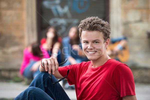 Portret gelukkig puber glimlachend straat stad Stockfoto © zurijeta