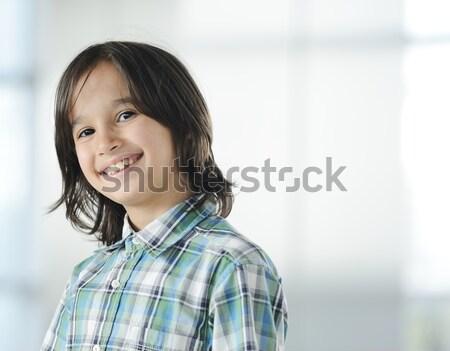 Cute weinig jongen portret kid Stockfoto © zurijeta