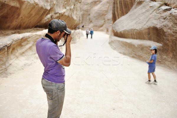 Turistica visitatore foto bambino monitor ragazzo Foto d'archivio © zurijeta