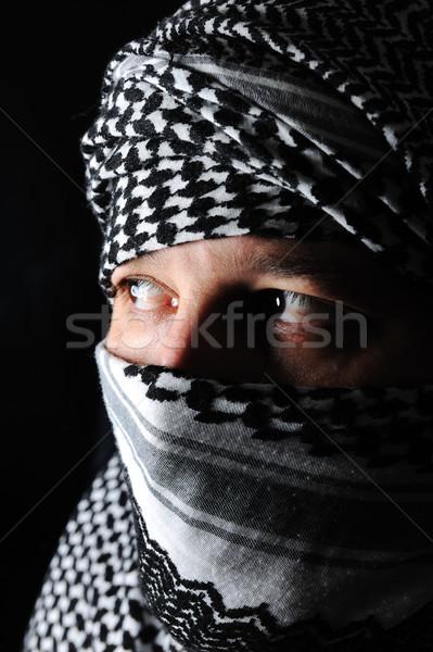 Homme arabe couleurs visage guerre portrait Photo stock © zurijeta