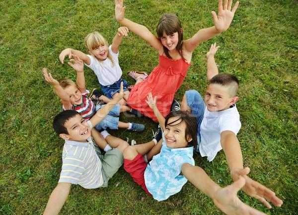 Stockfoto: Groep · gelukkig · kinderen · zomer · gras · weide