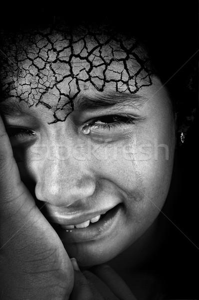 Huilen meisje gebarsten voorhoofd huid gezicht Stockfoto © zurijeta