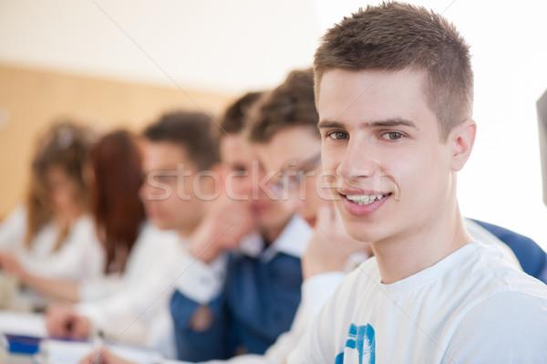 Stockfoto: Glimlachend · mannelijke · student · vergadering · onderwijs · studenten