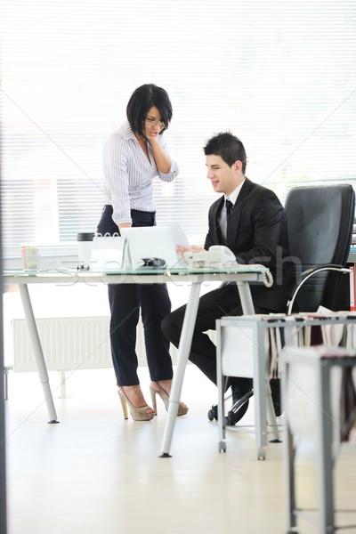Pessoas de negócios atividades escritório consultor projeto computador Foto stock © zurijeta