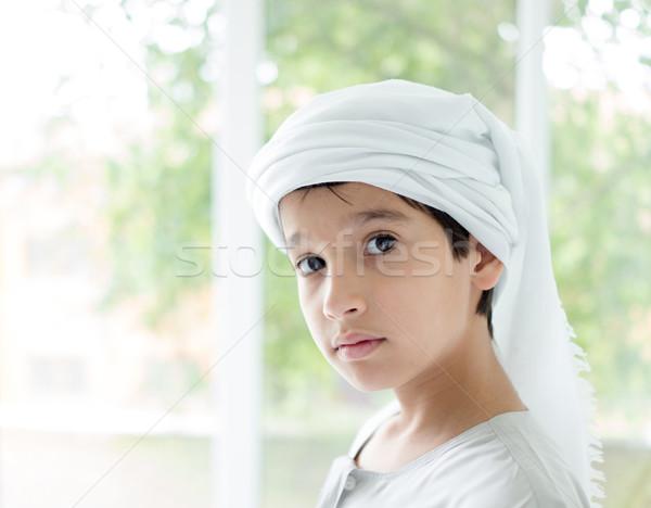 Arapça küçük erkek poz çocuk gülümseme Stok fotoğraf © zurijeta