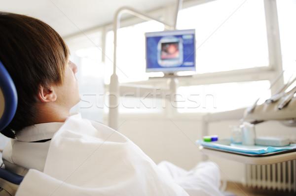 Patiënt moderne ziekenhuis tandarts iets soortgelijk Stockfoto © zurijeta
