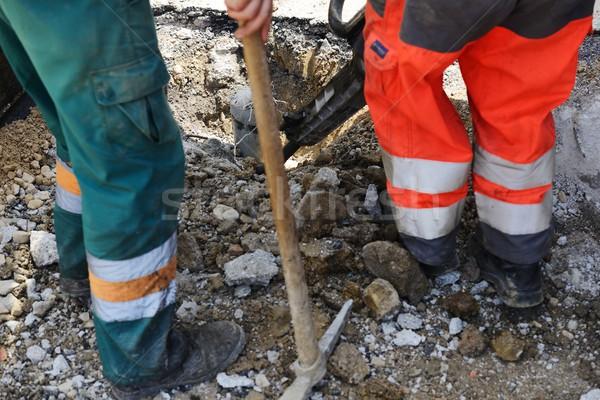 Trabalho duro asfalto três de um tipo homens trabalhando concreto Foto stock © zurijeta