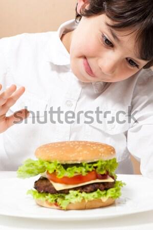 Erkek ayartma Burger gıda mutlu çocuk Stok fotoğraf © zurijeta