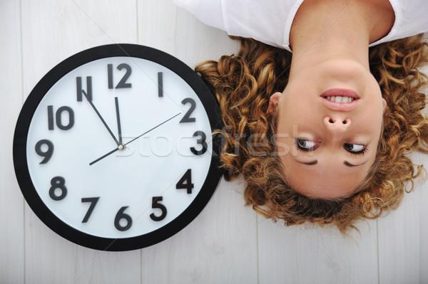 Foto stock: Menina · relógio · feliz · trabalhar · tempo