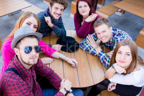 Autentikus kép fiatal valódi emberek jó idő Stock fotó © zurijeta