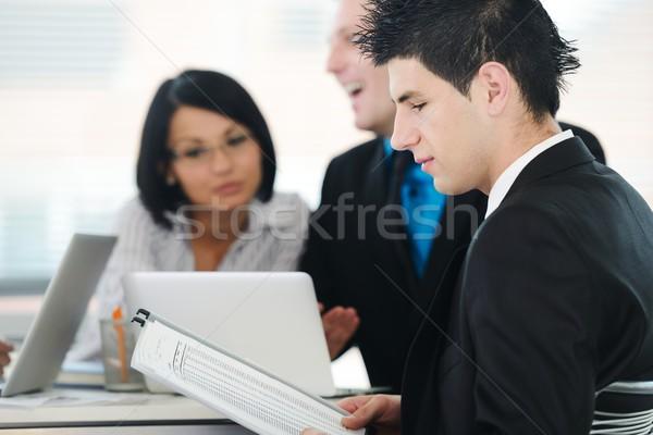 Kép kollégák kommunikál megbeszélés üzletember csoport Stock fotó © zurijeta