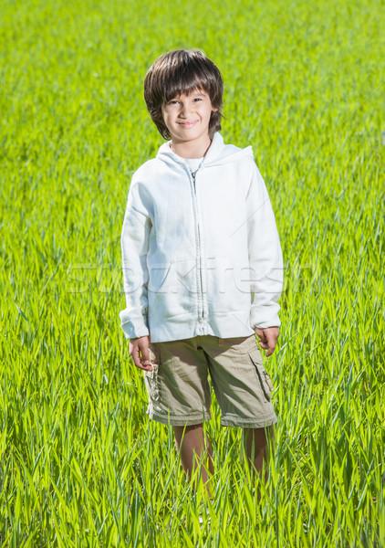 Mutlu çocuk güzel yeşil sarı çim alanı Stok fotoğraf © zurijeta