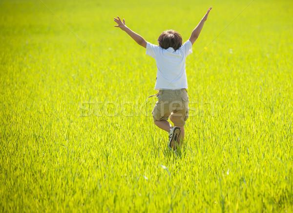 Enfant heureux temps nature prairie ciel Photo stock © zurijeta
