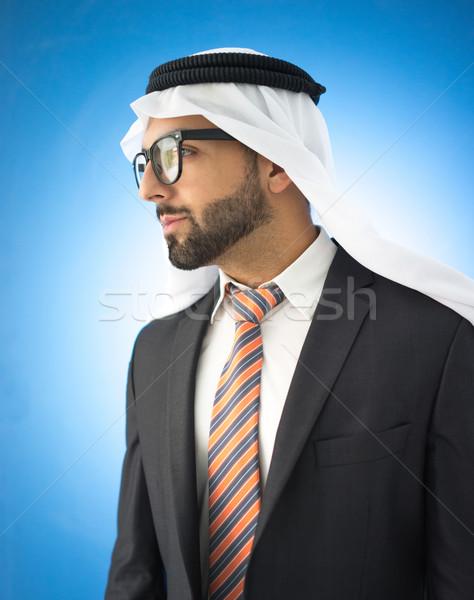 Portret atrakcyjny Emiraty człowiek okulary Zdjęcia stock © zurijeta