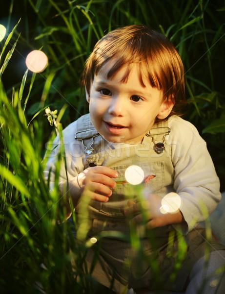 Cute liebenswert Baby kid Sitzung schönen Stock foto © zurijeta