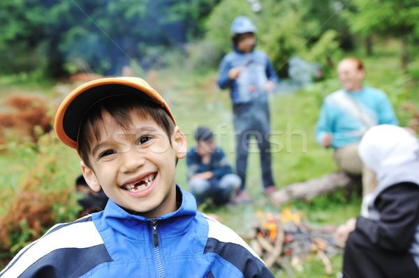 Foto stock: Barbacoa · naturaleza · grupo · ninos · salchichas · fuego