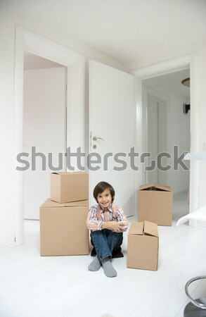 Pequeño nino nuevo hogar feliz casa Foto stock © zurijeta
