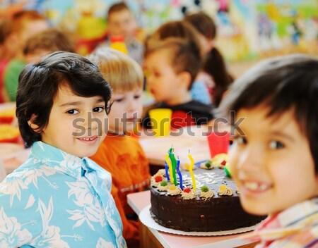 Foto stock: Bonitinho · crianças · festa · de · aniversário · recreio · muitos