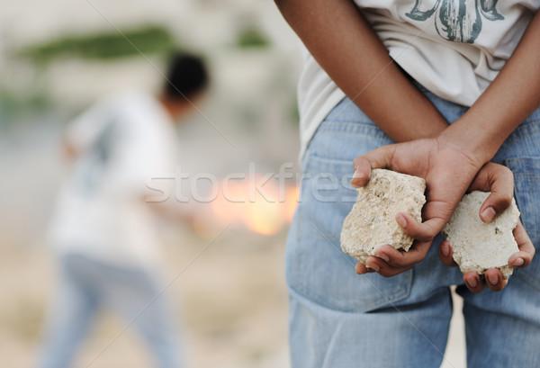 Nino fuego tiempo alfombra solo enojado Foto stock © zurijeta