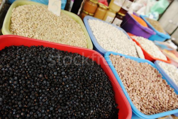 Piactér étel gyümölcs doboz kukorica bolt Stock fotó © zurijeta