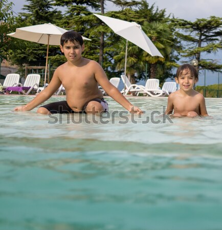 Hermosa infancia momentos piscina feliz salud Foto stock © zurijeta