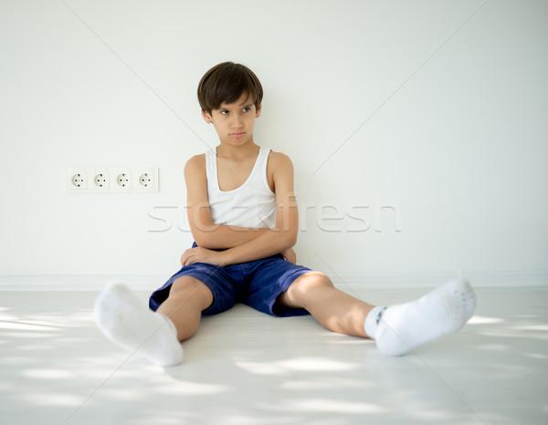 Boos kid aanbiddelijk weinig jongen naar Stockfoto © zurijeta