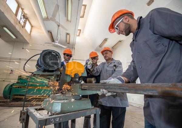 Werknemers industriële fabriek bouw werk technologie Stockfoto © zurijeta