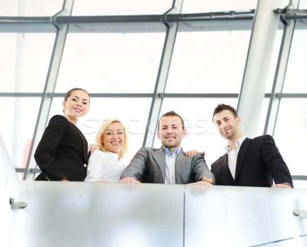 Geschäftsleute sprechen arbeiten modernen Büro Business Stock foto © zurijeta