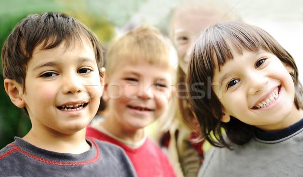 Felicidade feliz crianças juntos ao ar livre Foto stock © zurijeta