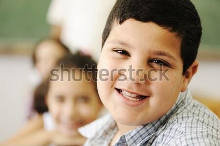 Kinderen school klas meisje glimlach kind Stockfoto © zurijeta