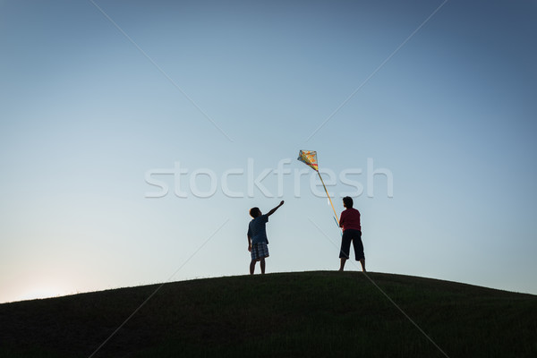 Corrida pipa silhueta céu primavera golfe Foto stock © zurijeta