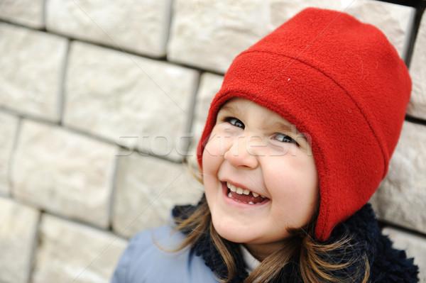 Aanbiddelijk meisje positief lachend gezicht meisje leuk Stockfoto © zurijeta