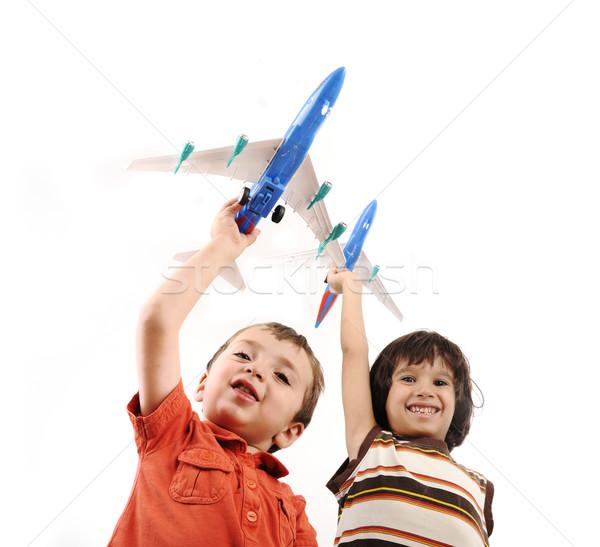 Stock fotó: Kettő · kicsi · fiúk · kezek · ötlet · utazó