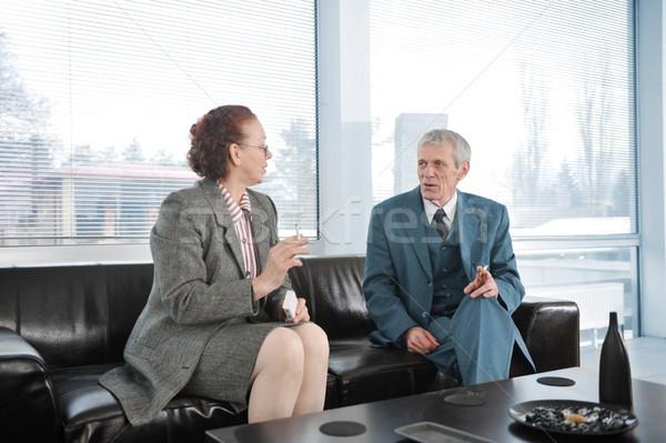 ストックフォト: 2 · 同僚 · ブレーク · 営業会議 · たばこ · 女性