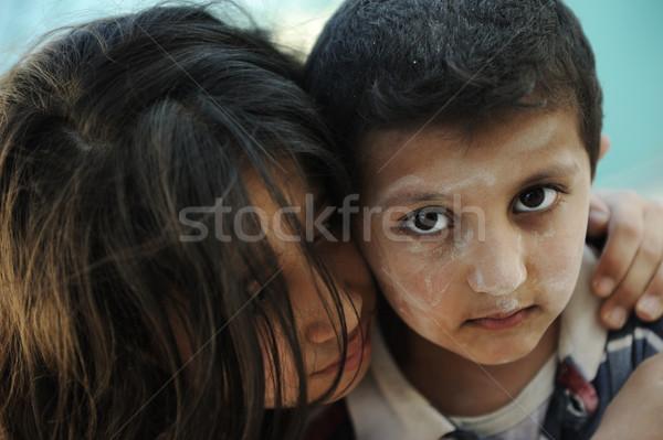 Kicsi koszos fivér lánytestvér szegénység rossz Stock fotó © zurijeta