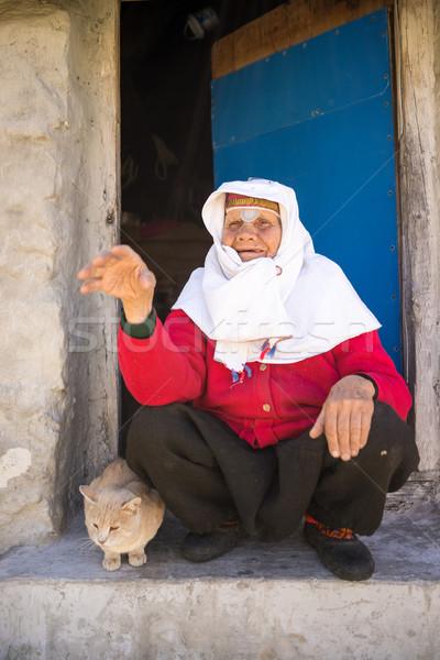 Starych tradycyjny dziedzictwo kobieta uśmiech Zdjęcia stock © zurijeta